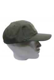 Зеленая кепка без эмблемы