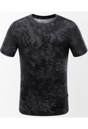 Черная футболка с принтом питон